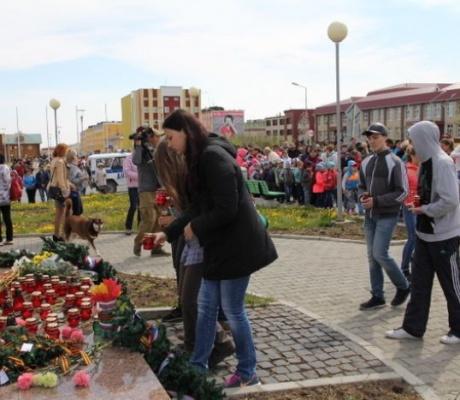 Жители Чукотки приняли участие в мемориальной акции «Зажги свечу памяти»